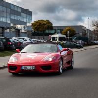 Bandomieji važiavimai Ferrari su mokiniais, kurie išsilaikė praktikos egzaminą Regitroje iš pirmo karto