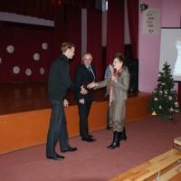 """Kalėdinio žaisliuko konkursas su """"Autologija"""" Vilniaus Fabijoniškių vidurinėje mokykloje"""